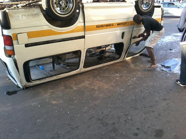 carro-capotado- (1)