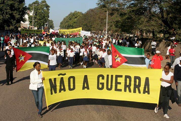 Guerra e Paz em Moçambique