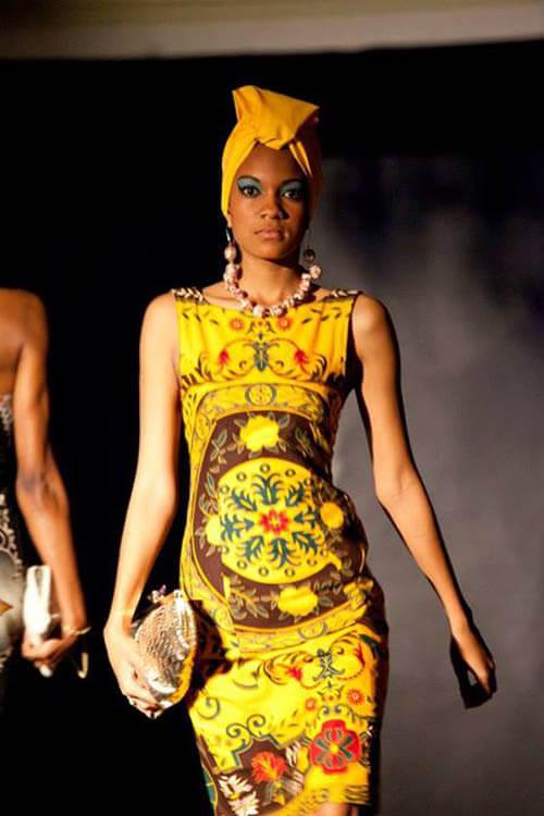 Vestido de capulana Amarelo, a cor do sol