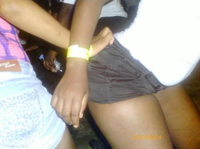 Noites de Maputo: Le dá de lado