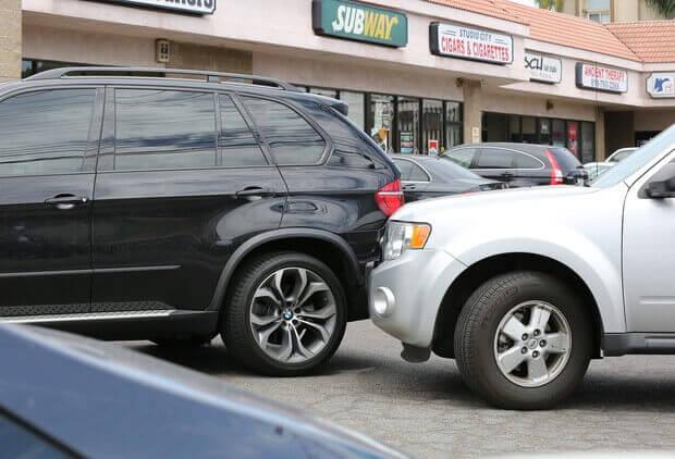 Acidente com carro de Selena Gomez