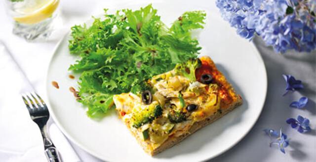 Pizza e salada