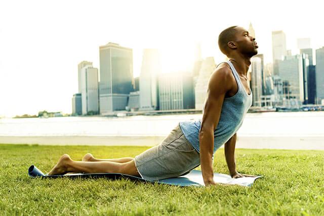 Man doing Yoga in New York