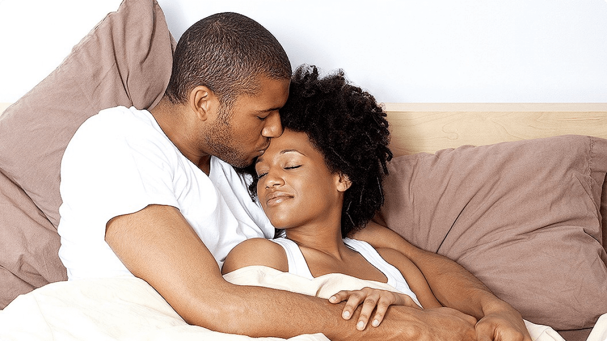 Abraçado - casal