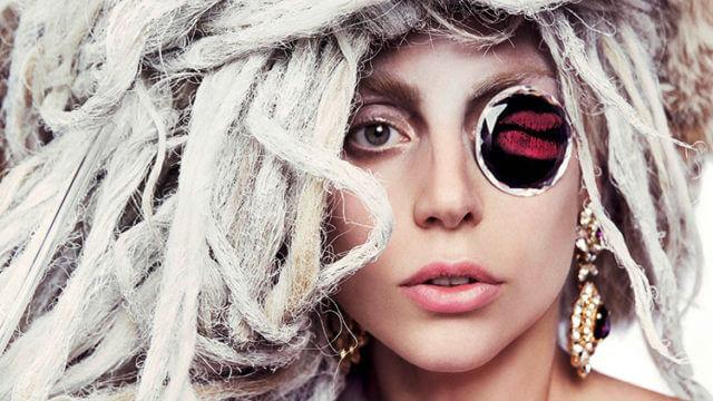 L Gaga